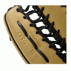 om Wilson features a one-piece, six finger palmweb. Its perfect for outfielders looking for a