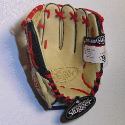 The Louisville Slugger Omaha Pro series brings together premium shell leather with softer linings